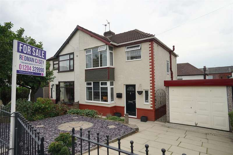 3 Bedrooms Semi Detached House for sale in The Crescent, Horwich, Bolton