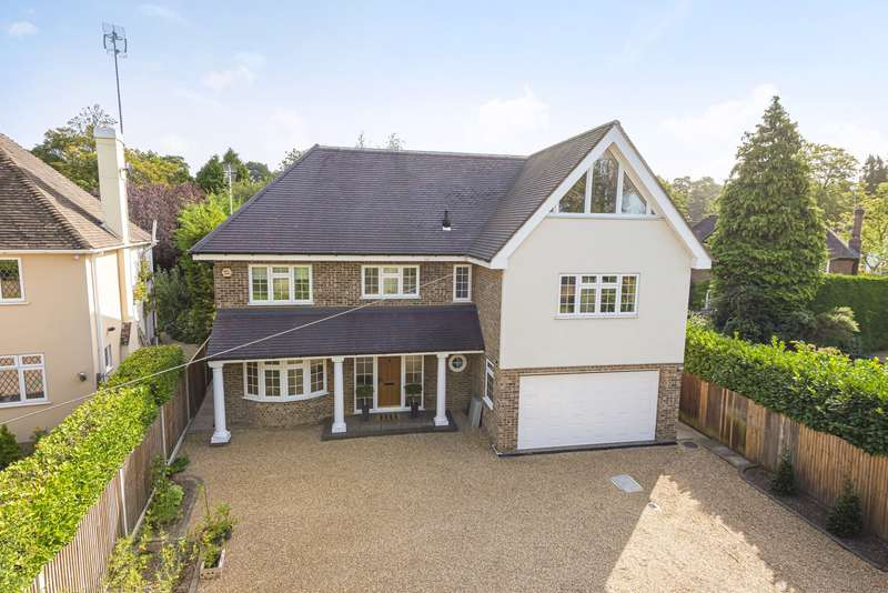 4 Bedrooms Detached House for sale in Brooklands Road, Weybridge, KT13