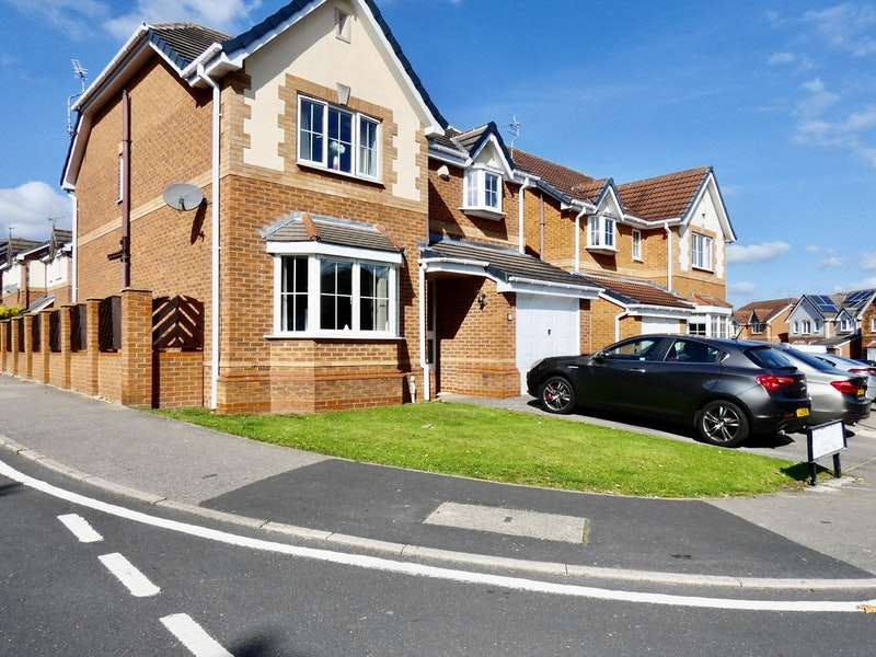 4 Bedrooms Detached House for sale in Brayton Drive, Balby, Doncaster, South Yorkshire, DN4