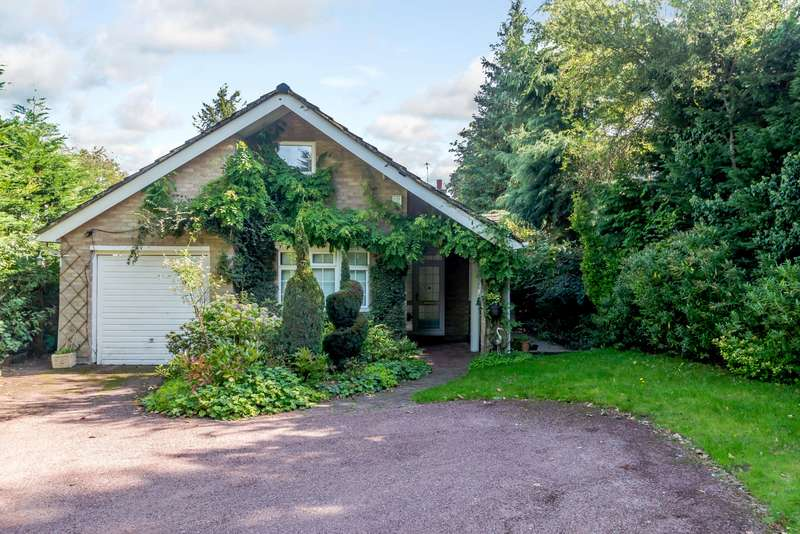 3 Bedrooms Detached House for sale in Solesbridge Lane, Chorleywood, Hertfordshire, WD3