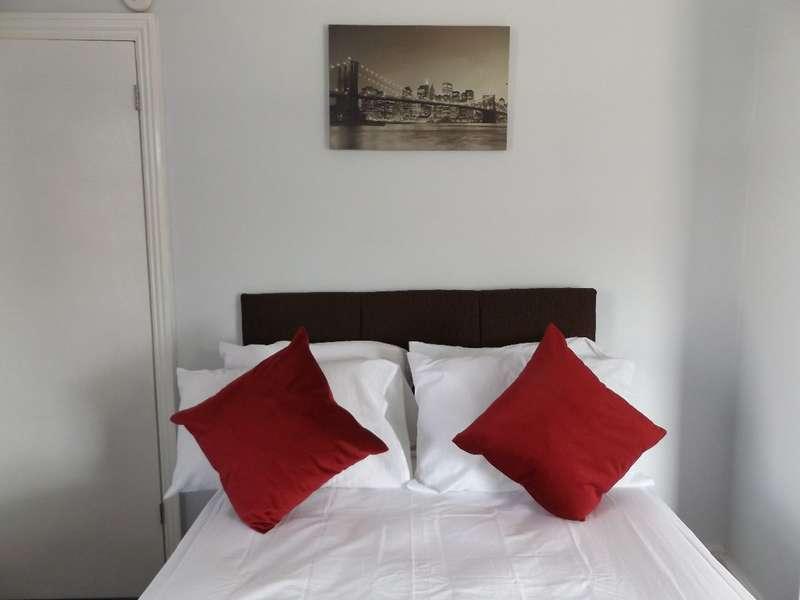 1 Bedroom House Share for rent in Room 2 Minster Street, Stoke-on-Trent, Staffordshire, ST6 1EN