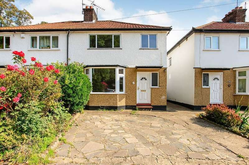 3 Bedrooms Semi Detached House for rent in Queen Marys Avenue, Watford, WD18
