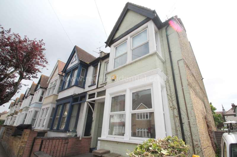 1 Bedroom Apartment Flat for rent in Pall Mall, Leigh on Sea