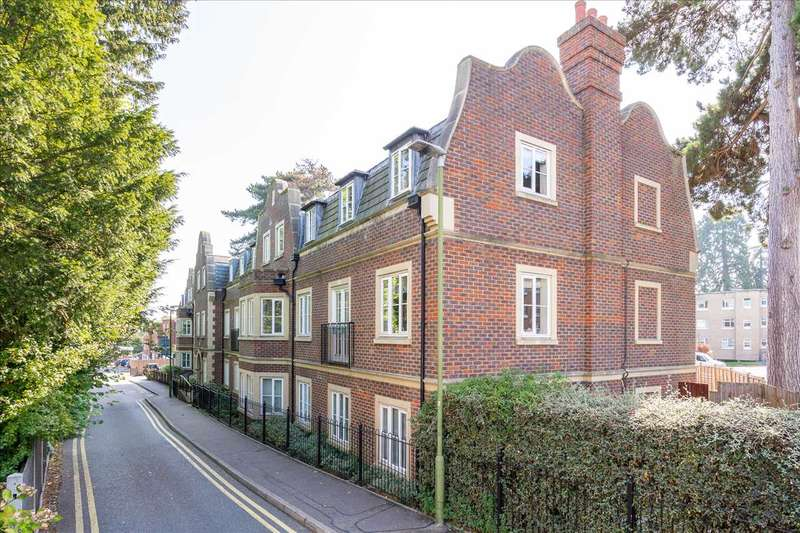 2 Bedrooms Apartment Flat for sale in Esdaile Hall, Esdaile Lane, Hoddesdon