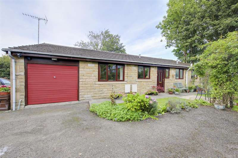 3 Bedrooms Detached Bungalow for sale in off Hardman Terrace, Stacksteads, Bacup, Rossendale