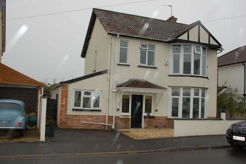 3 Bedrooms Detached House for sale in EASTWICK ROAD