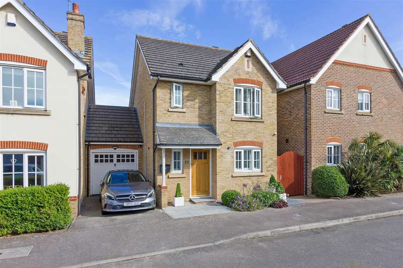 3 Bedrooms Detached House for sale in Tourmaline Drive, Sittingbourne