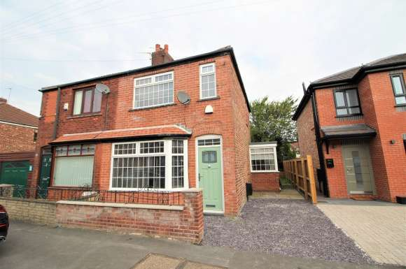 2 Bedrooms Property for sale in Farm Street, Failsworth, M35 0JS