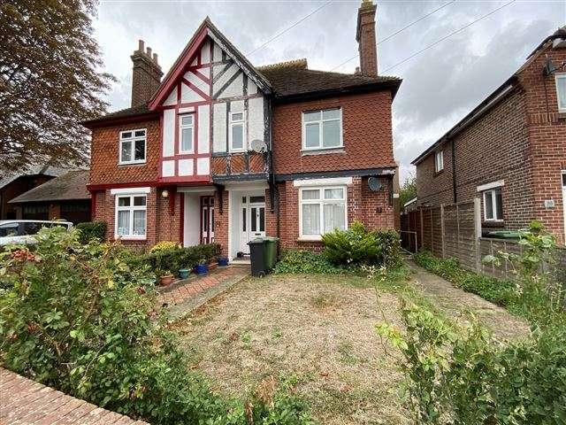3 Bedrooms Maisonette Flat for sale in Magdala Road, Cosham, Portsmouth, Hampshire, PO6 2QG