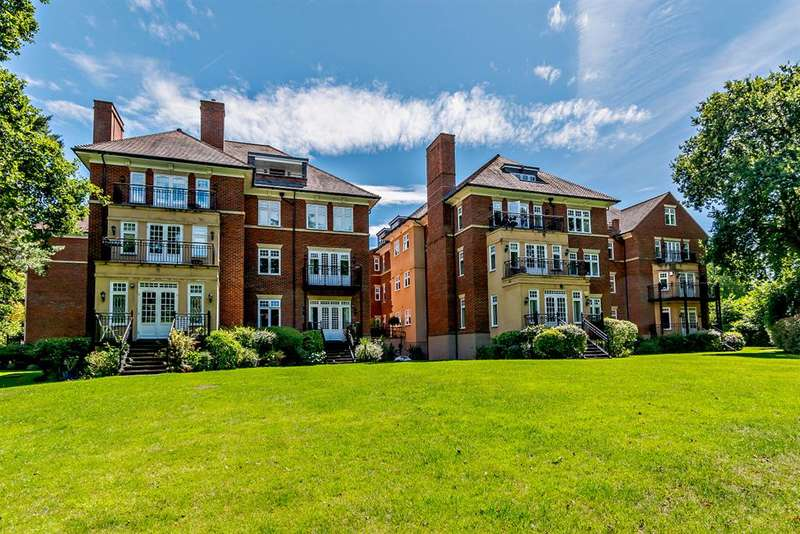 2 Bedrooms Penthouse Flat for sale in Worsley Grange, Kemnal Road, Chislehurst, BR7