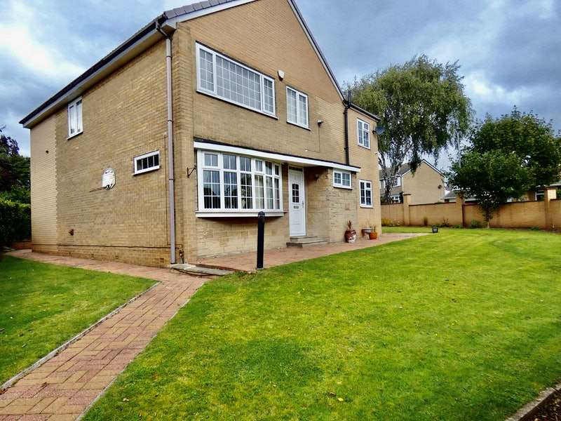 5 Bedrooms Detached House for sale in Newman Court, Moorgate, Rotherham, South Yorkshire, S60