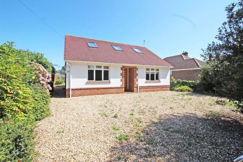 4 Bedrooms Detached House for sale in Wainsford Road, Everton, Lymington, Hampshire, SO41