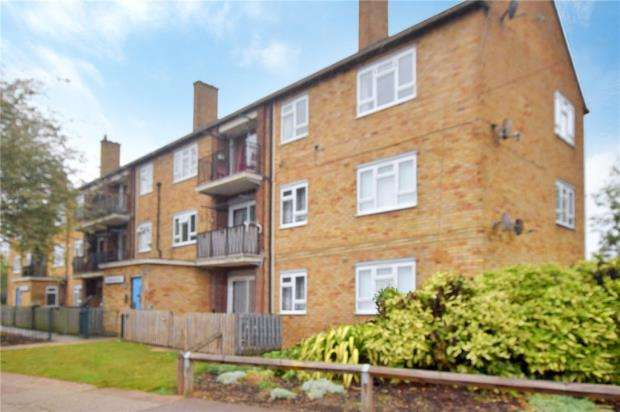 3 Bedrooms Apartment Flat for sale in Mimosa Court, Acacia Avenue, Colchester