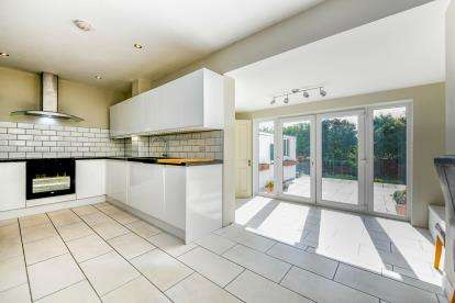 3 Bedrooms End Of Terrace House for sale in Paulsgrove, Portsmouth, Hampshire