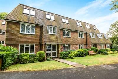 1 Bedroom Flat for rent in Wood Road, Hindhead