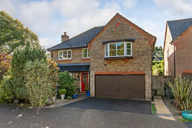 5 Bedrooms Detached House for sale in St. Vigor Way, Colden Common, Winchester, SO21