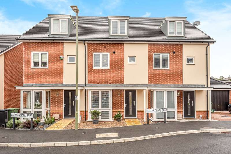 3 Bedrooms Town House for sale in The Coach Road, Basingstoke, RG23