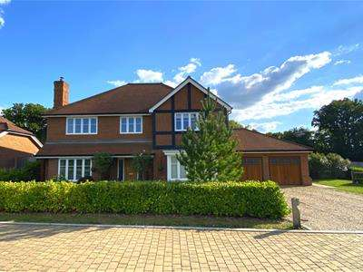 4 Bedrooms House for sale in Swallow Grove, Cranleigh