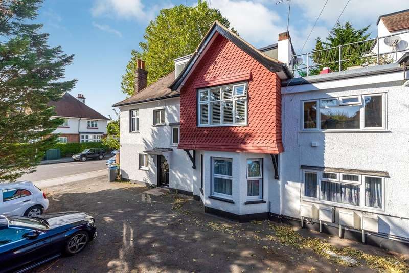 3 Bedrooms Flat for sale in London Lane, Bromley