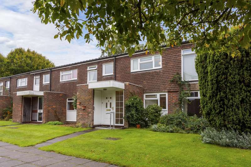 4 Bedrooms House for sale in Cranston Close, RH2