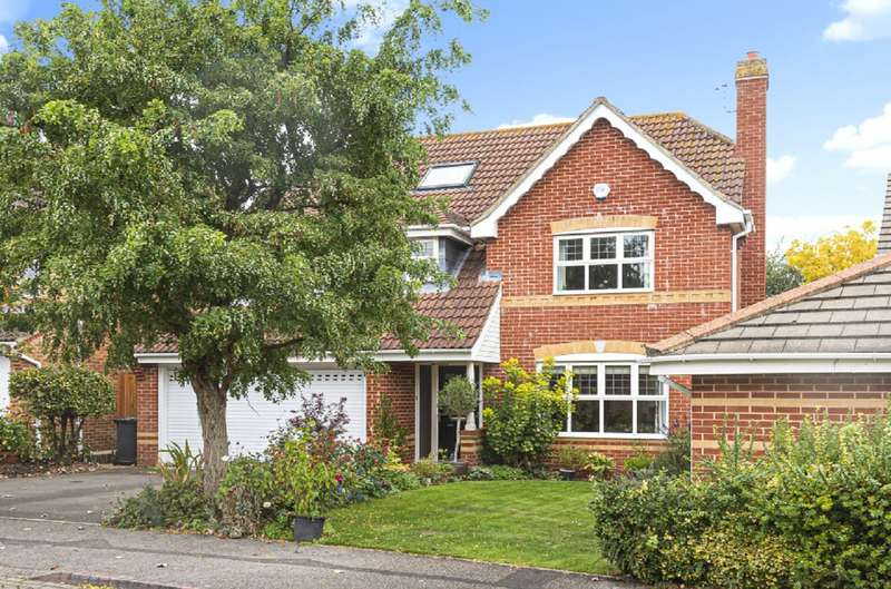 5 Bedrooms Detached House for sale in Crabtree Way, Old Basing, Hampshire, RG24