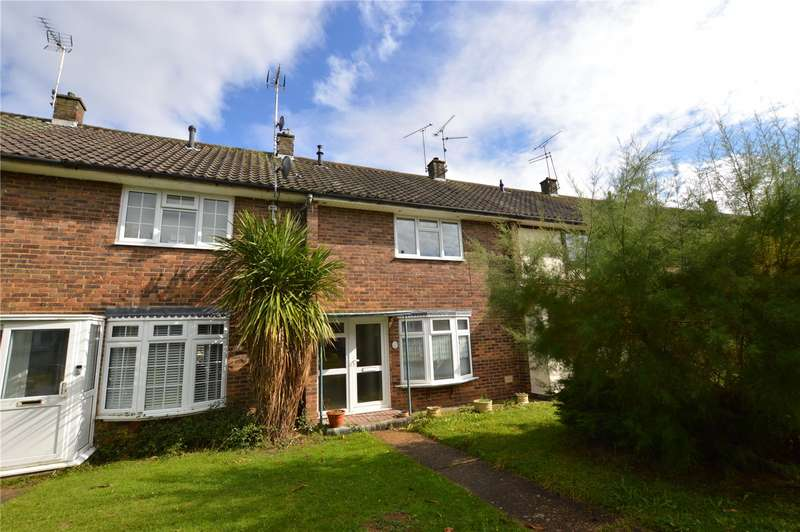 2 Bedrooms Terraced House for sale in Lee Walk, Basildon, Essex, SS16