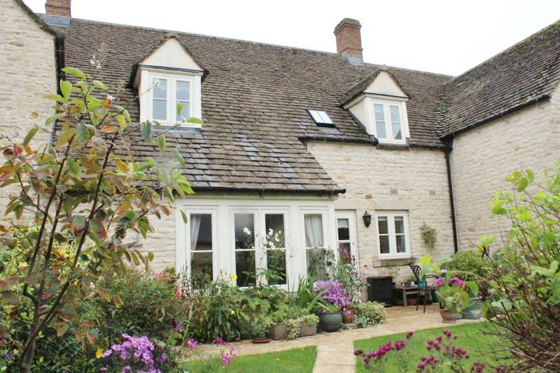 2 Bedrooms Cottage House for sale in West Allcourt, Lechlade