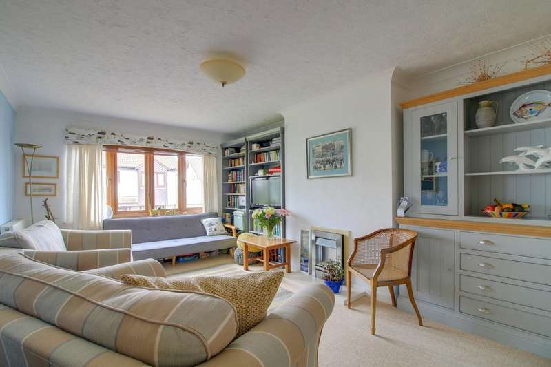 2 Bedrooms Detached Bungalow for sale in Sawyer Drive, Teignmouth