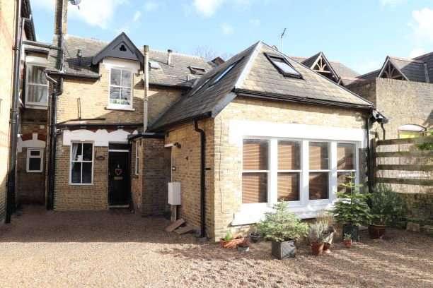 2 Bedrooms Flat for sale in Westgate Road, Beckenham, BR3