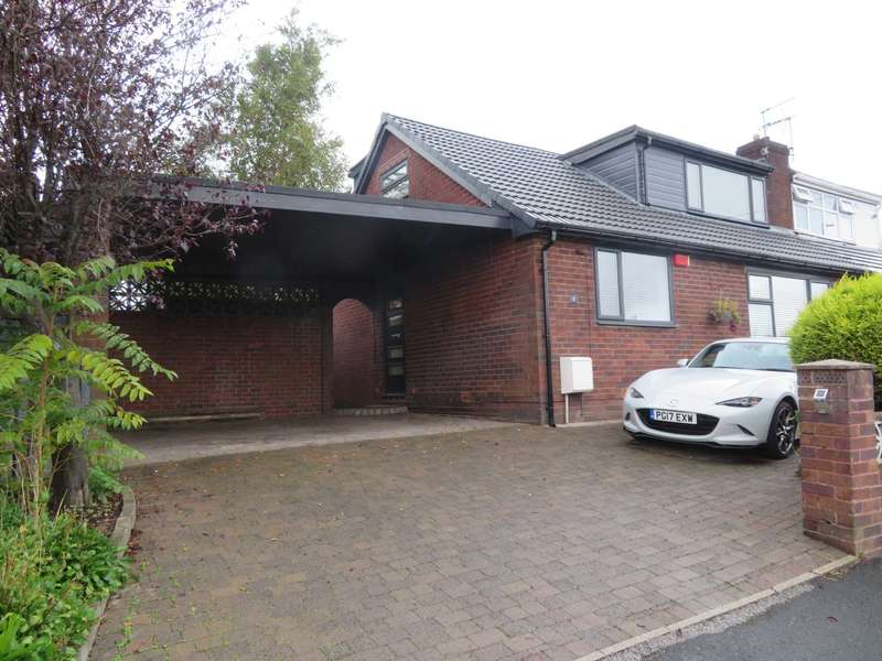 4 Bedrooms Semi Detached House for sale in Ingleby Close, Shaw