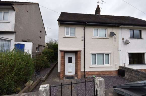 3 Bedrooms Property for rent in Erw`R Fron, Gwernymynydd, Mold