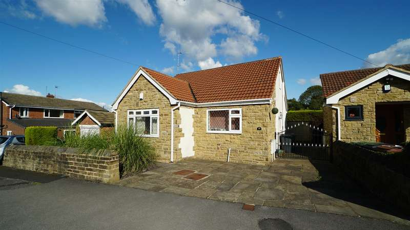 3 Bedrooms Detached Bungalow for rent in St. Margarets Avenue, Horsforth