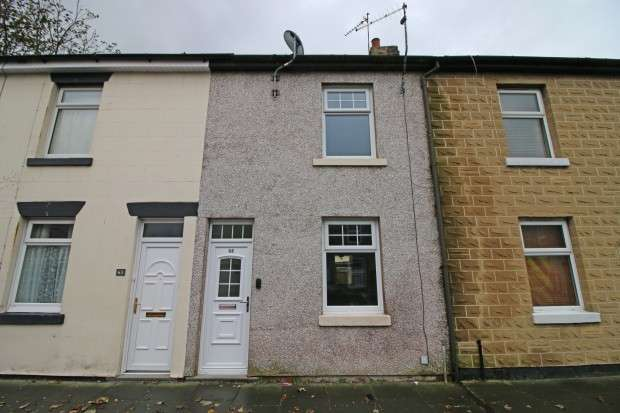2 Bedrooms Terraced House for sale in Victoria Street, Fleetwood, FY7