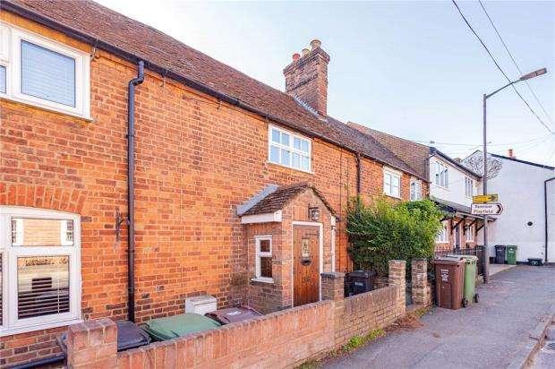 2 Bedrooms Terraced House for sale in High Street, Sandridge, St. Albans