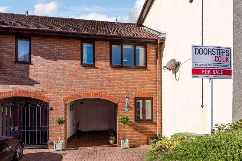 3 Bedrooms Property for sale in Carne Place, Port Solent, Portsmouth, PO6
