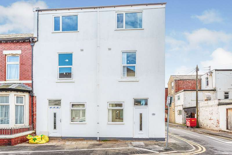 3 Bedrooms House for sale in Crystal Road, Blackpool, Lancashire, FY1
