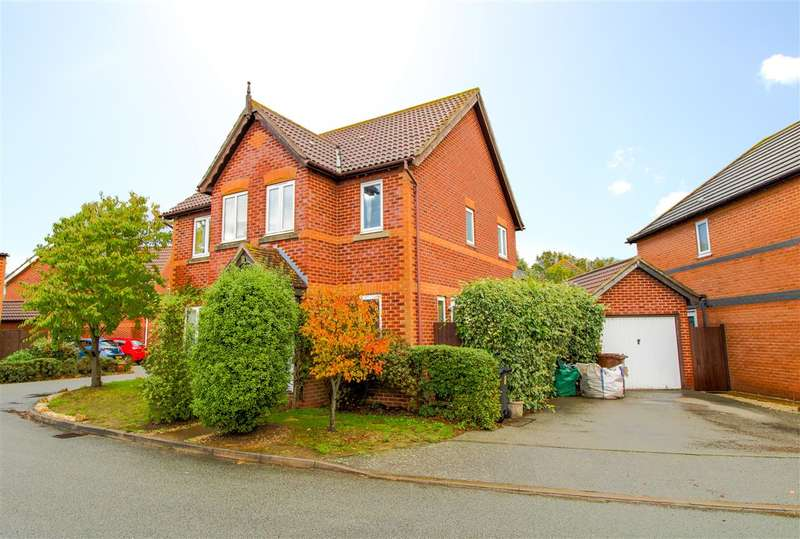 4 Bedrooms Detached House for sale in Fenn Close, Frating, Colchester, CO7