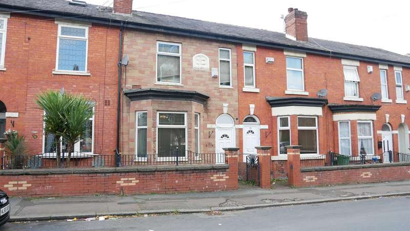 3 Bedrooms Property for sale in Abbey Hey Lane, Manchester