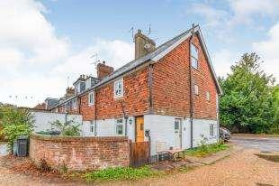 3 Bedrooms Maisonette Flat for sale in Station Road, Hurst Green, Etchingham, East Sussex