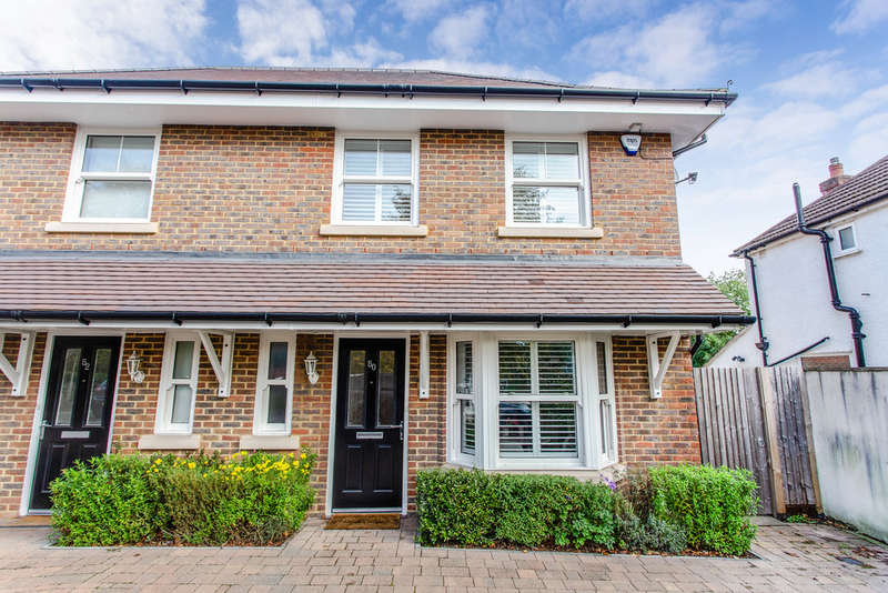 3 Bedrooms Semi Detached House for sale in North Western Avenue, Watford
