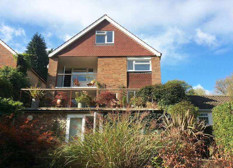 5 Bedrooms Detached House for sale in Old Lane, Tatsfield, Westerham, TN16