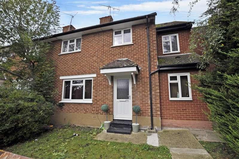 2 Bedrooms Maisonette Flat for sale in Melcombe Road, Benfleet