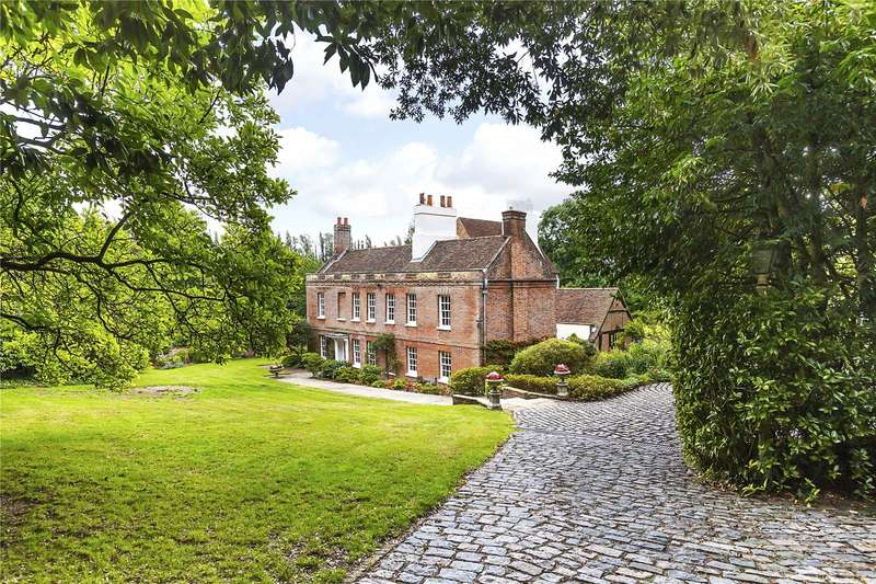 5 Bedrooms Detached House for sale in Waldens Road, The Hamlet Of Kevington, Near Orpington, Kent, BR5