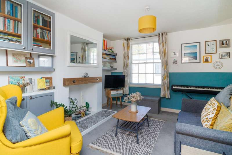 2 Bedrooms Terraced House for sale in St. Peters Place, Canterbury, CT1