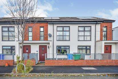 3 Bedrooms Terraced House for sale in St. Edwards Road, Manchester, Greater Manchester, Uk