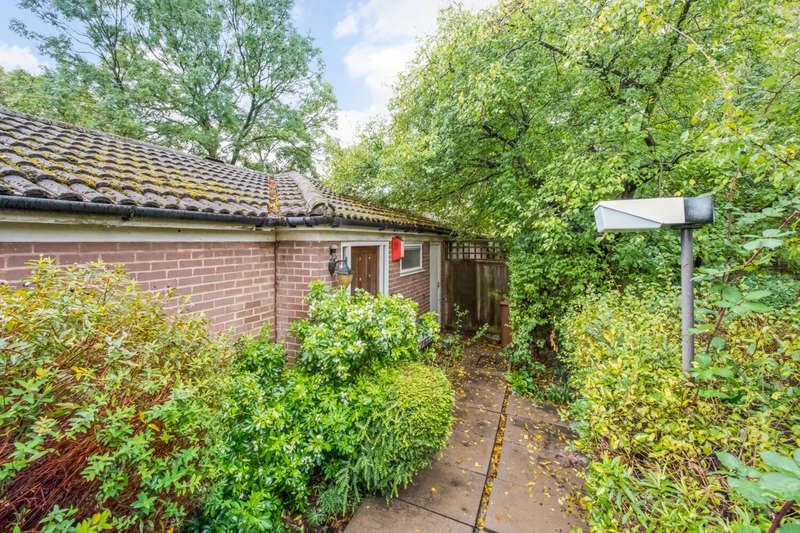 2 Bedrooms Bungalow for sale in The Loggetts, Alleyn Park, London