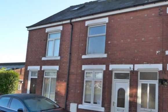 3 Bedrooms Property for rent in Avenue Grove, Starbeck, HG2