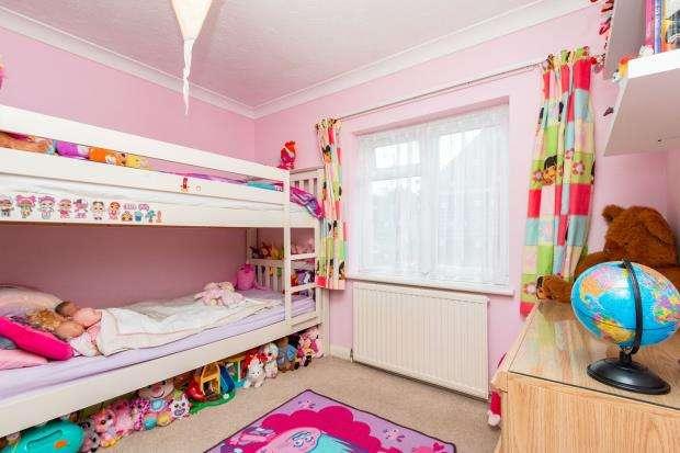 3 Bedrooms Link Detached House for sale in Lychpit, Basingstoke, Hampshire