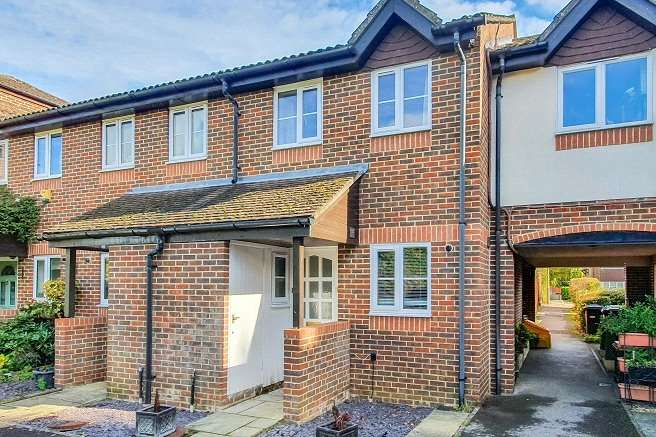 2 Bedrooms Terraced House for sale in Newfield Road, Liss, GU33