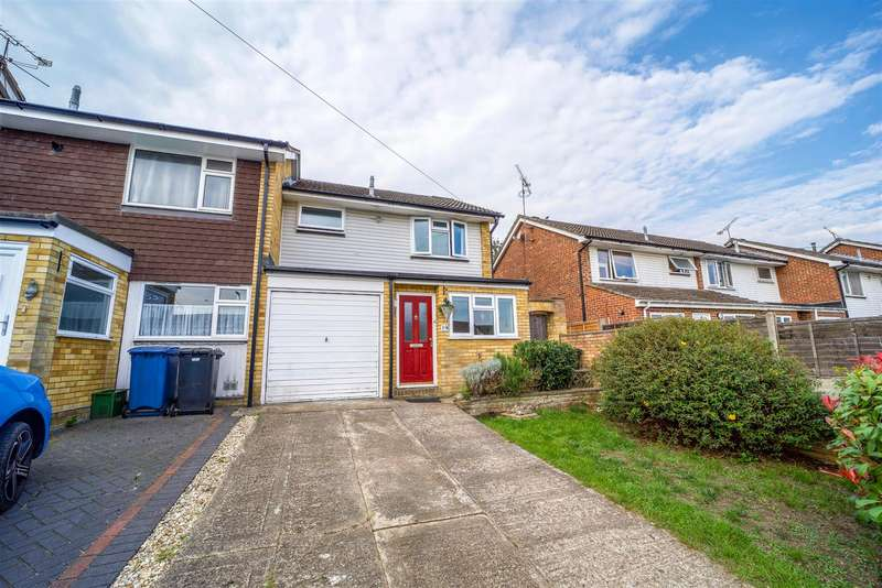 3 Bedrooms End Of Terrace House for sale in Cullen Close, Yateley